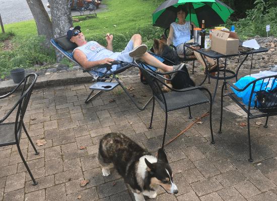 Dog Friendly Winery DuCard